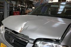 自動車修理・デントリペアの永田鈑金[三重県四日市] 鈑金──叩き出し